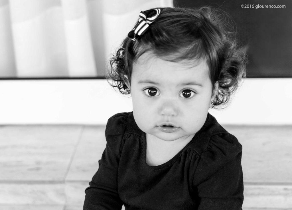 garotinha preto e branco